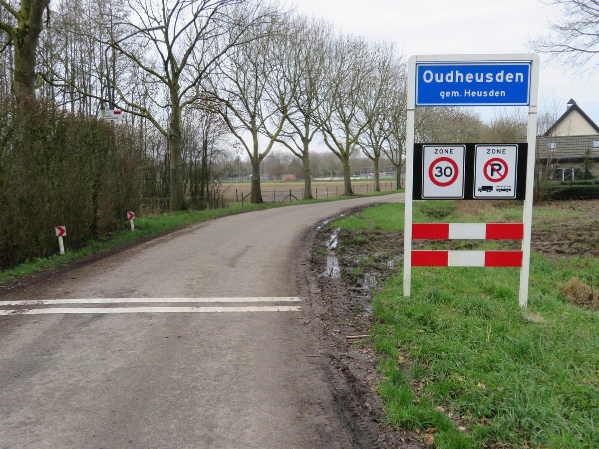 De Oosters in Oudheusden, net buiten het dorp. De bermen zijn slecht, zeker in de wintermaanden. En autoverkeer rijdt vaak veel te hard.
