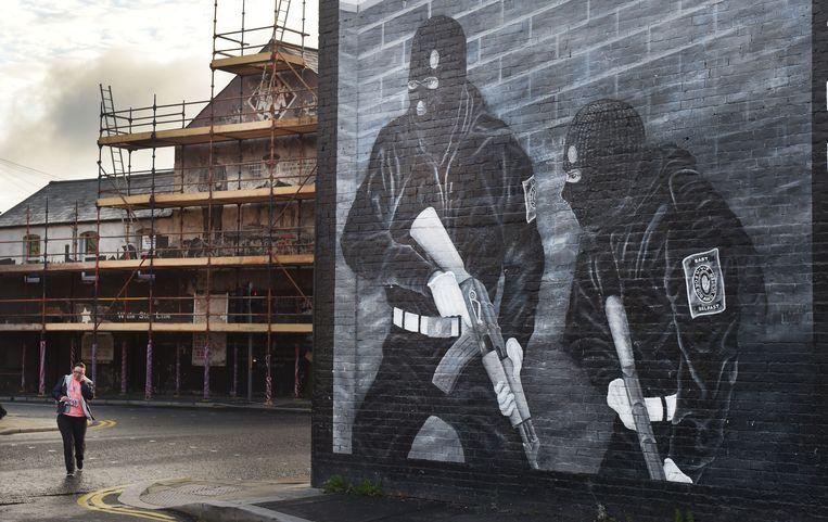 Een paramilitaire muurschildering in Belfast, opgedragen aan de Ulster Volunteer Force.