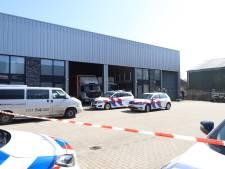 Politie valt bedrijfspand binnen in Schijndel, hennepkwekerij in twee vrachtwagens gevonden