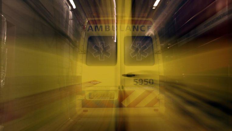 Een wrange grap onder ambulancepersoneel: zullen we met een stapelbed gaan rijden? Beeld Getty Images