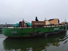 'Oude rot-kotter' van Amsterdammer zinkt voor kust van Urk tijdens vlucht voor havenmeester