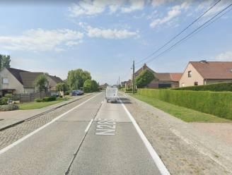 """Chauffeur geflitst met 140 km per uur op steenweg: """"Ik moest dringend naar het toilet"""""""