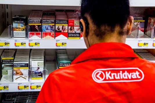 Drogisterijketen Kruidvat haalt tabak komende tijd uit de schappen