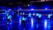 Hellvoc laat volleyballers spelen in blacklight