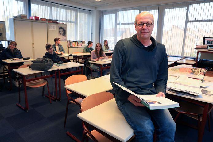 Dirk Roodzant schreef zijn proefschrift naast zijn werk als docent geschiedenis aan het Lodewijk College in Terneuzen.