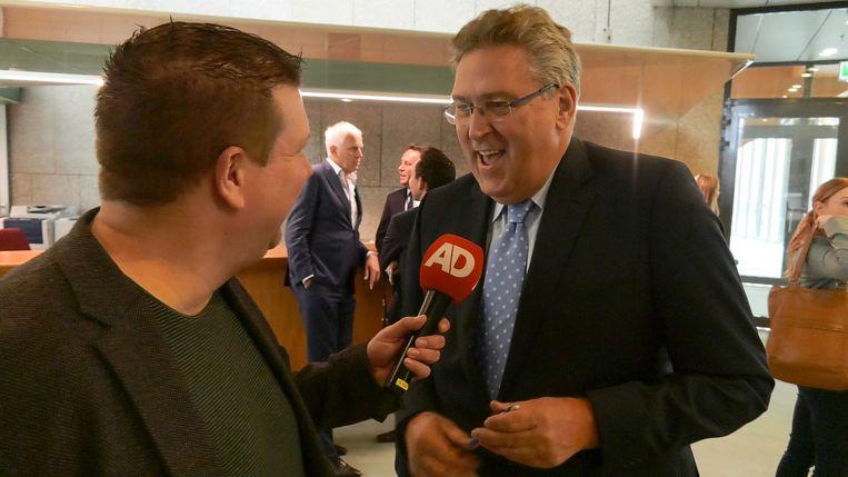 Henk Krol staat de pers te woord. Beeld ADR