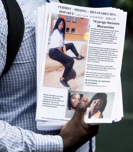 Flyeractie voor vermiste Nsimire (14) bij Den Haag Centraal