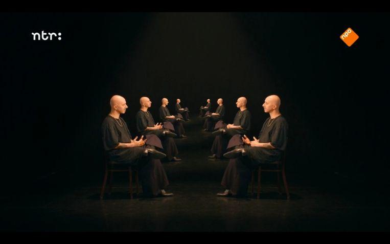 Choreograaf Guy Weizman stelt zichzelf vragen in Guy Weizman – Voorheen/Nadien. Beeld NTR