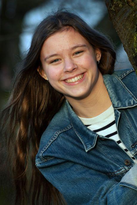Zonne (15) mist school en schrijft zorgen van zich af: 'De directeur moest zelfs huilen bij het lezen van mijn verhaal'