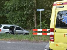 Auto belandt in berm na ongeluk in St. Willebrord, bestuurder spoorloos