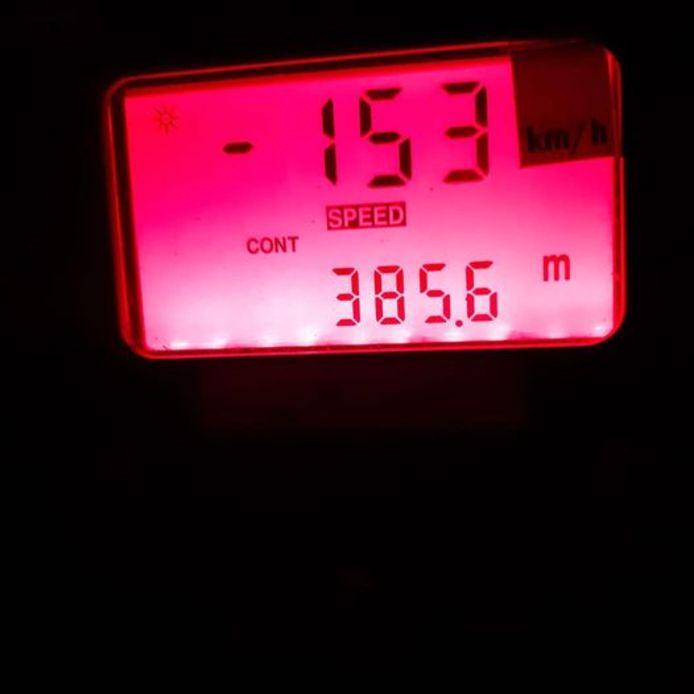 De man behaalde een snelheid van 153 kilometer per uur waar er 80 gereden mocht worden.