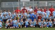 RC Genk-speler Bryan Heynen verrast jonge fans op A&F voetbalstage bij Bree-Beek