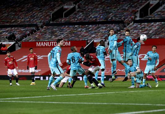 Zo schoot Bruno Fernandes de winnende 3-2 binnen voor United.
