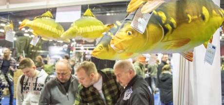 Karperbeurs vertrekt met 18.000 bezoekers uit Zwolle nu IJsselhallen sluiten, IJsbeelden blijven nog