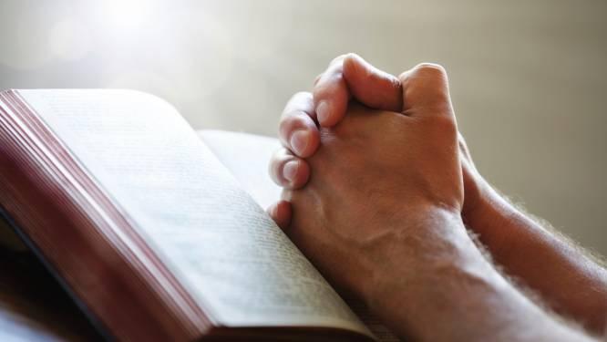 Een bijbel en angst voor de hel als herinnering aan de camping