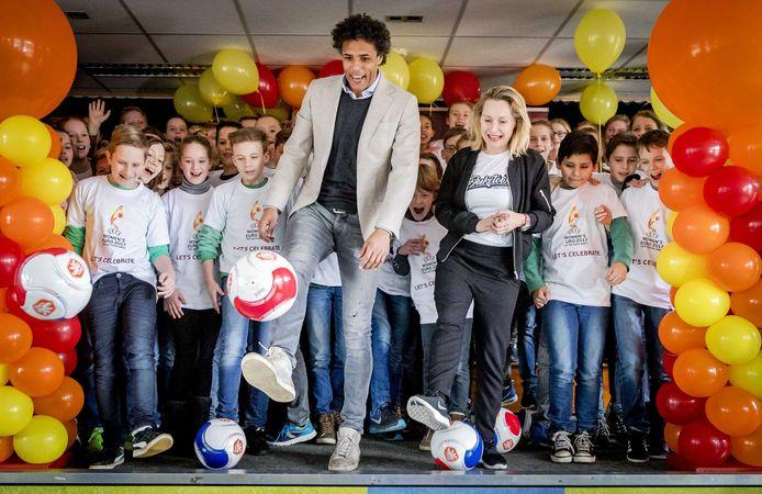 Pierre van Hooijdonk was ambassadeur van het EK vrouwenvoetbal in 2017.