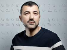 Özcan Akyol: 'Vriendinnen gaven Anna het advies haar tas te verstoppen als ze met mij ging daten'<br>