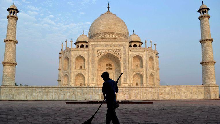 Toeristische plaatsen, waaronder de Taj Mahal, worden geviseerd. Beeld AP