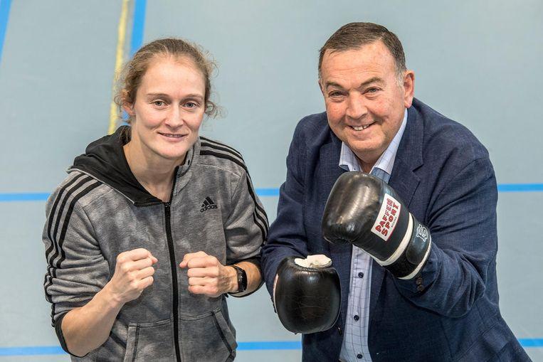 Delfine Persoon en burgemeester Karlos Callens verwachten een spannend titelgevecht.
