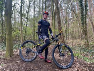 """Mountainbiker Sander (19) doet offroad Everest Challenge voor vzw Stijn: """"Nu er geen wedstrijden meer zijn, had ik andere uitdaging nodig"""""""
