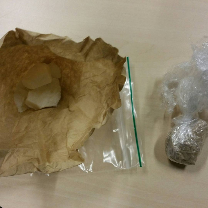 Politie vindt drugs en wapens bij aanhouding in Nijmegen.