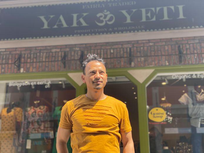 Bharat voor Yak en Yeti in de Mageleinstraat.