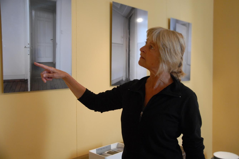 """Tina Van der Werf heeft 'iets' met deuren. """"Ze vormen de toegangspoort tot vreugde, verdriet, opwinding, teleurstelling, you name it!"""""""