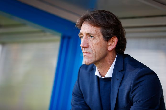 Mike Willems, technisch manager van PEC Zwolle, kiest bewust voor het inpassen van steeds meer jeugdspelers.