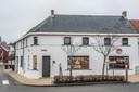 De nieuwe bistro bevindt zich aan het dorpsplein van Michelbeke.