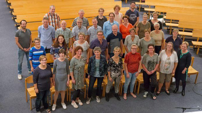 Interkerkelijk gospelkoor Reach Out uit Wierden laat ook van zich horen tijdens het Korenfestival