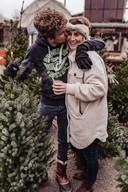Carlijn en Thibaud begonnen samen met anderen ook een actie voor duurzame kerstbomen.  (Lees verder onder de foto)