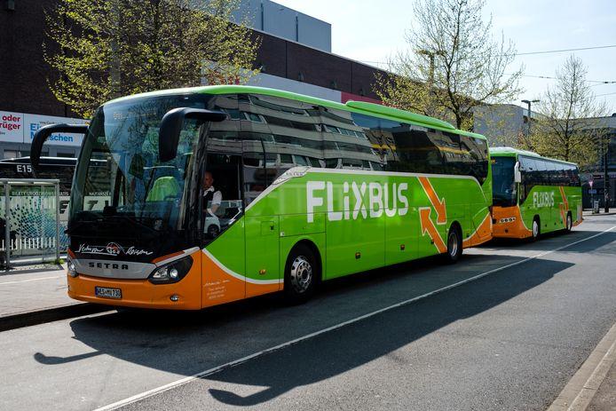De gekende groene Flixbus krijgt voor het eerste een halte in de Kempen.