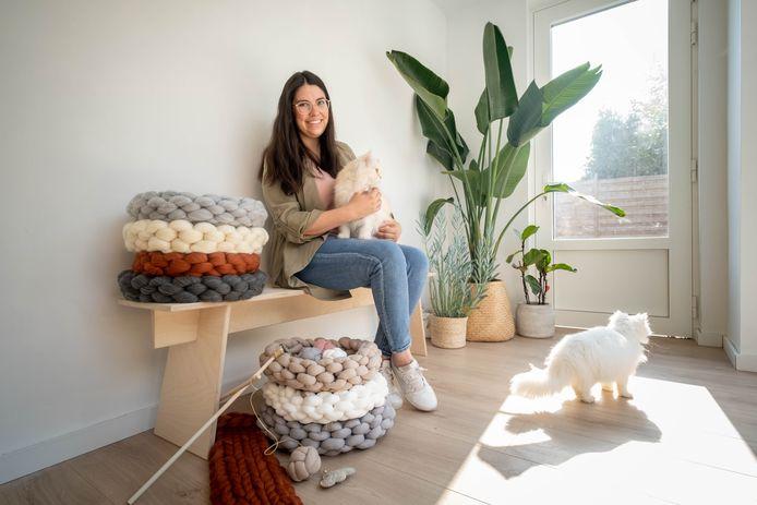 Tine Claes start met Happy George, een winkel voor dierenspeelgoed