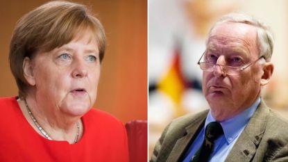 """Merkel noemt relativering van nazisme door extreemrechtse politicus """"beschamend"""""""
