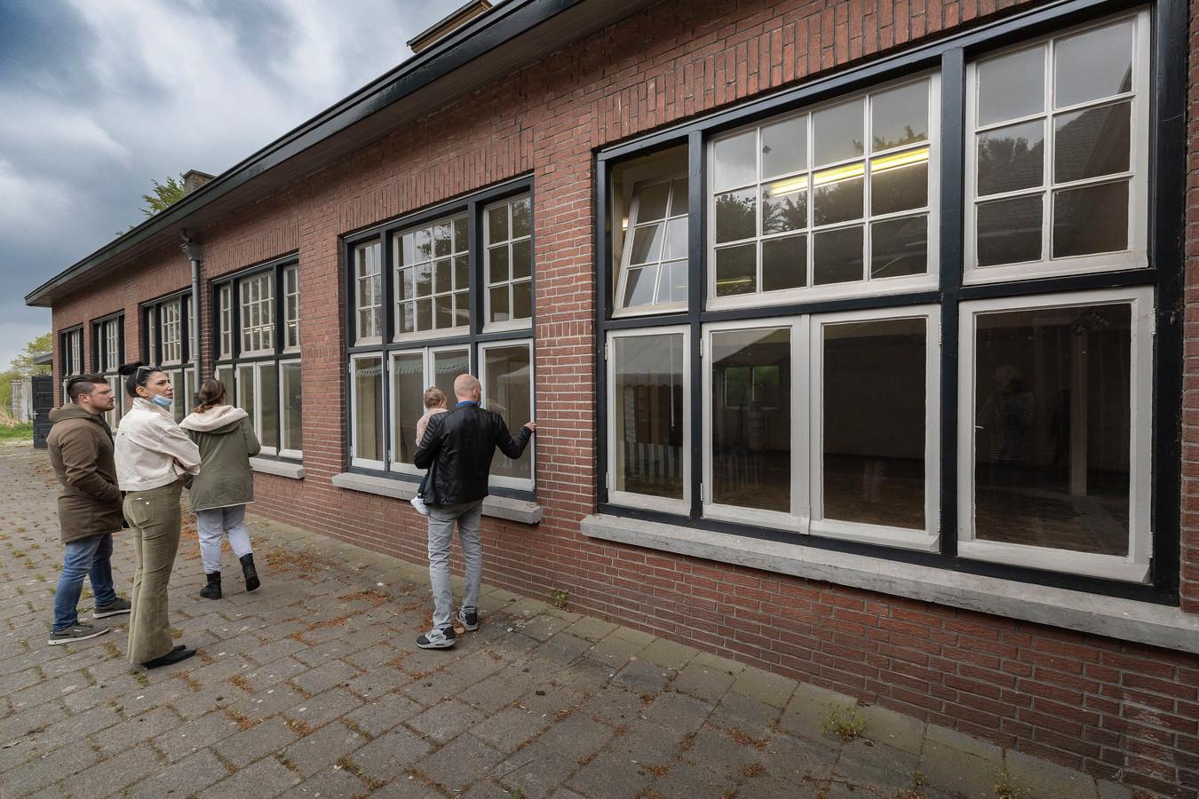 De kijkdag die in mei werd gehouden voor de voormalige jongensschool Sint-Servatius in Westerhoven.