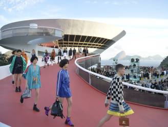 In beeld: de tropische show van Louis Vuitton in Rio de Janeiro