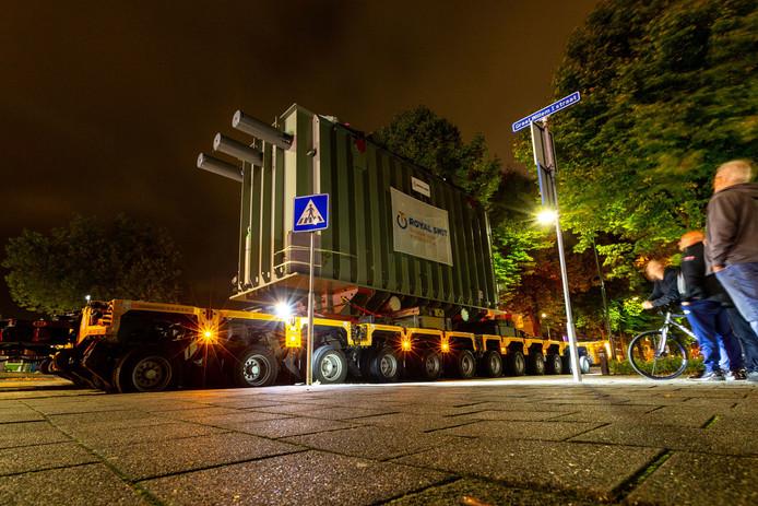Transport van trafo naar de Amercentrale in Geertruidenberg