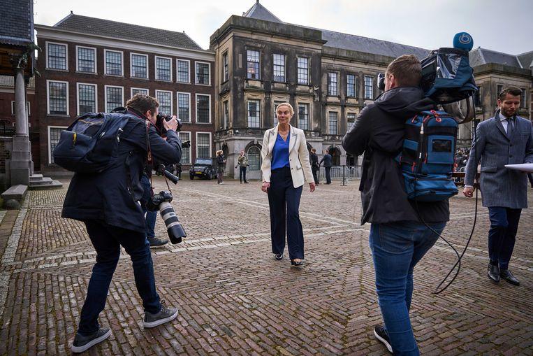 Sigrid Kaag (D66) na haar gesprek in de Tweede Kamer voor een gesprek met verkenners Annemarie Jorritsma en Kasja Ollongren. Beeld ANP