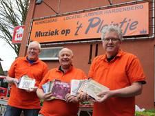 Muzikale 'vulling' brengt reuring op Hardenbergs pleintje