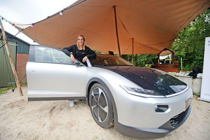 De Lightyear One uit Helmond is de eerste gezinsauto op zonne-energie.
