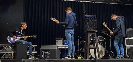 Op hetzelfde podium als Kensington en Rowwen Hèze: beginnende bands mogen gratis repeteren in Nirwana Lierop