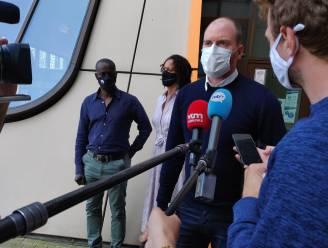 """Familie Sanda Dia voor het eerst geconfronteerd met standpunten van verdediging: """"Een sereen debat, maar wel zeer emotioneel"""""""