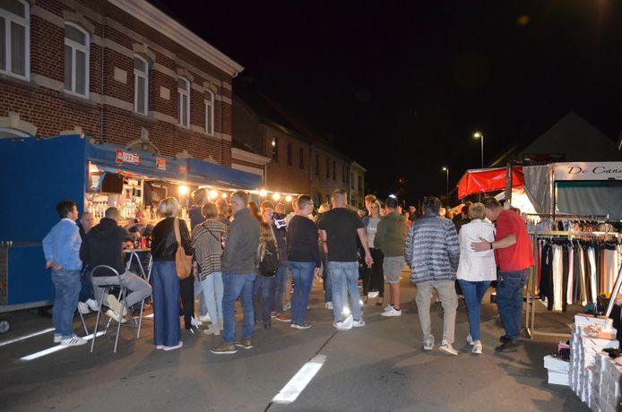 De avondmarkt in Kerksken.
