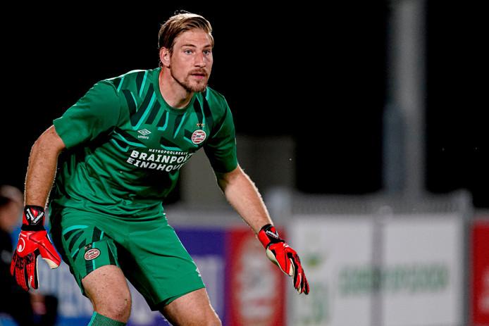 Lars Unnerstall in actie bij PSV.
