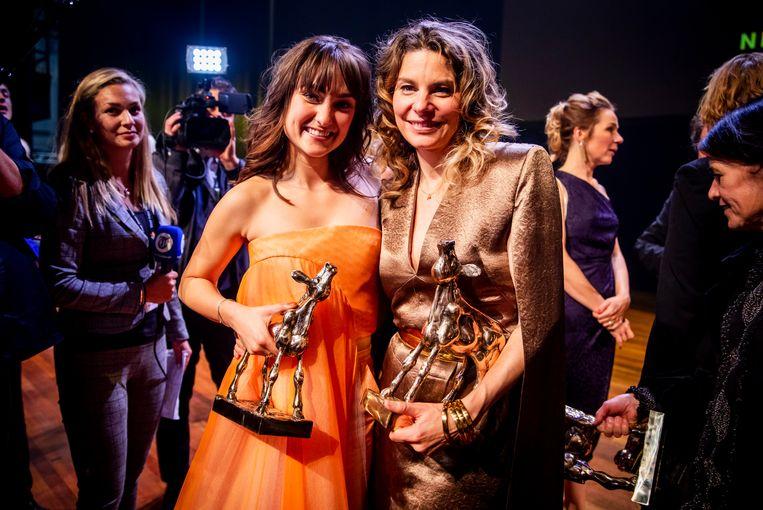 De winnaars op het podium tijdens de uitreiking van het Gouden Kalveren Gala. Beeld ANP