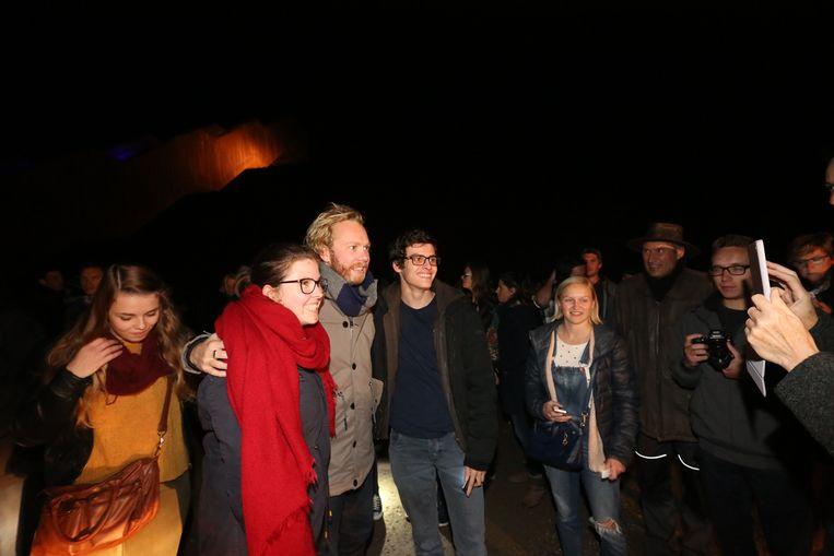 Fans poseren met acteur Rik Verheye. Beeld Mine Dalemans.
