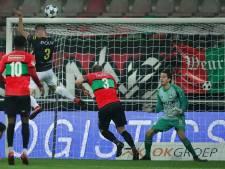 Staande ovatie voor NEC-doelman in lege Goffert: 'Norbert is de man of the match'