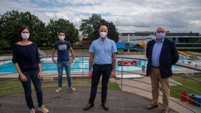 """Bijna 15.000 bezoekers voor openluchtzwembad De Warande: """"Ook volgend seizoen behouden we het reservatiesysteem in bubbels"""""""