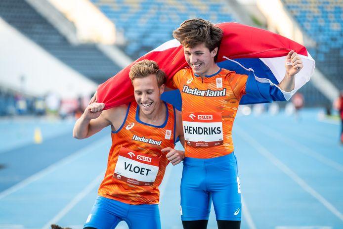 Levi Vloet (links) en Olivier Hendriks pakten respectievelijk zilver en goud op de 100 meter.