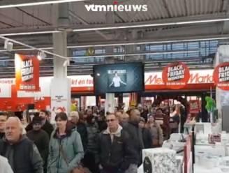 Werkt dat eigenlijk, zo'n Black Friday in Mediamarkt? Kijkt u vooral zelf...